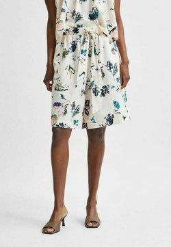 Selected Femme - Shorts - sandshell