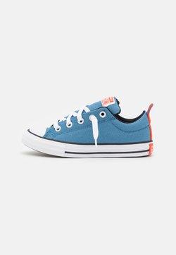 Converse - CHUCK TAYLOR ALL STAR STREET UTILITY LOOP SLIP UNISEX - Zapatillas - aegean storm/bright poppy/black