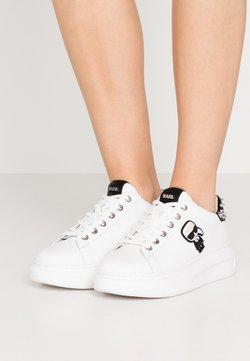 KARL LAGERFELD - KAPRI IKONIC STUD TAB - Sneakersy niskie - white/black