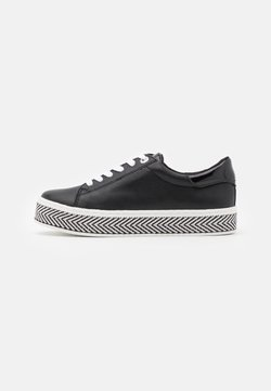 s.Oliver - Sneaker low - black