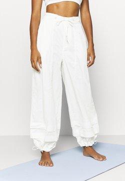 Free People - MOONPIE PANT - Verryttelyhousut - white