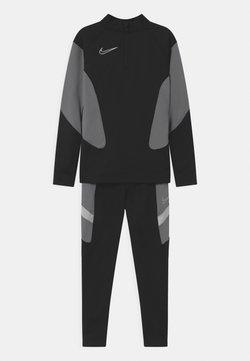 Nike Performance - ACADEMY SET UNISEX - Survêtement - black/white