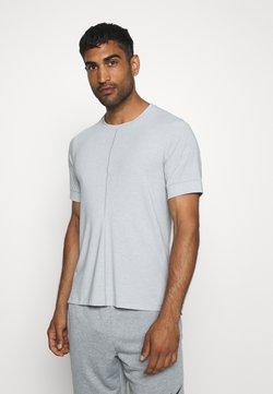 Nike Performance - DRY YOGA - Camiseta básica - light smoke grey/black