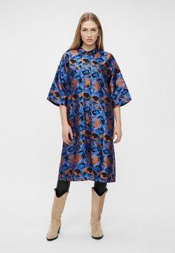 YAS - Vestido camisero - electric blue