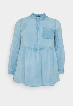 Simply Be - DIPPED BACK SHIRT - Bluse - washed blue