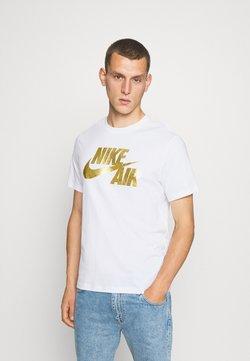 Nike Sportswear - TEE PREHEAT AIR - T-Shirt print - white/gold