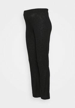 Pieces Maternity - PCMSKYWEN FLARED PANT - Broek - black