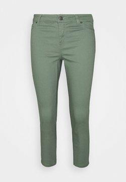 Vero Moda Petite - VMHOT SEVEN  - Slim fit jeans - laurel wreath