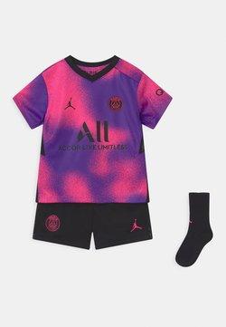 Nike Performance - PARIS ST GERMAIN SET UNISEX - Pelipaita - hyper pink/black