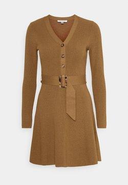 Forever New - FLARE DRESS - Vestido de punto - camel
