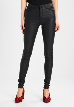 Vero Moda - VMSEVEN SMOOTH COATED PANTS - Stoffhose - black