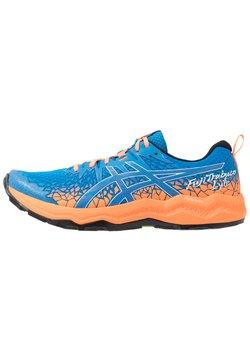 ASICS - FUJITRABUCO LYTE - Laufschuh Trail - directoire blue/shocking orange