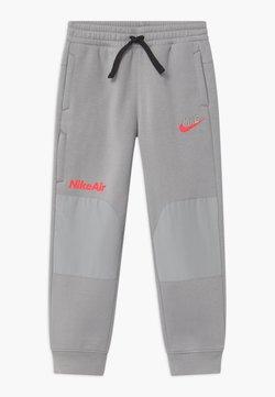 Nike Sportswear - AIR UNISEX - Verryttelyhousut - smoke grey