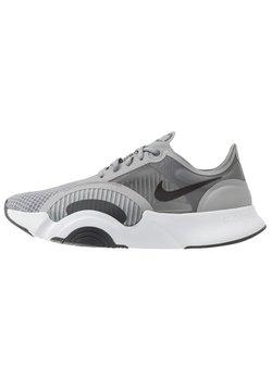 Nike Performance - SUPERREP GO - Chaussures d'entraînement et de fitness - particle grey/dark smoke grey/light base grey