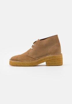 Clarks Originals - ARISA DESERT - Ankle Boot - dark sand