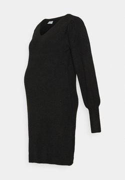 Pieces Maternity - PCMPAM VNECK DRESS - Sukienka dzianinowa - black