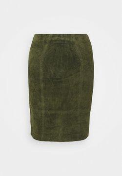 VILA PETITE - VIFAITH SLIT SKIRT - Pencil skirt - forest night