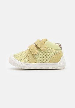 Woden - TRISTAN BABY - Vauvan kengät - lemongrass