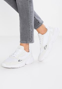 adidas Originals - FALCON - Matalavartiset tennarit - footwear white/crystal white