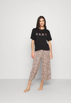 DKNY Intimates - CITY COOL - Pyjama - brown animal
