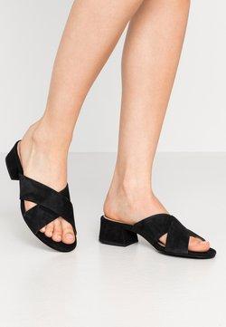 Tamaris - SLIDES - Pantolette flach - black