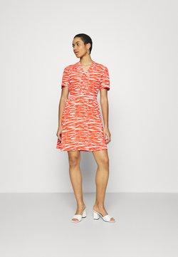 Calvin Klein - SHORT DRESS - Freizeitkleid - fiesta/ecru