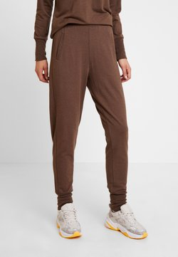 Lounge Nine - HUXIE PANTS - Jogginghose - major brown
