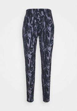 Curare Yogawear - PANTS LONG LOOSE ROLL DOWN - Verryttelyhousut - grafik blue