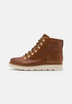 Vero Moda Wide Fit - VMMARY BOOT WIDE FIT - Plateaustiefelette - friar brown