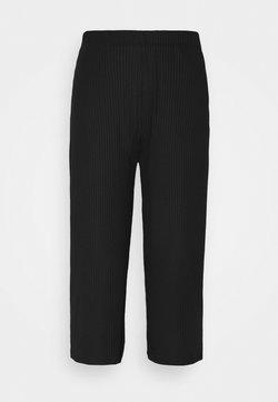 Pieces - PCTOPPY CULOTTE PANTS - Pantaloni - black