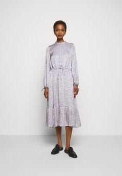 Bruuns Bazaar - BECCA ARY DRESS - Maxikleid - soft lavender