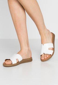 Jana - SLIDES - Pantolette flach - white