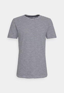 KnowledgeCotton Apparel - ALDER NARROW STRIPED TEE - T-Shirt print - total eclipse