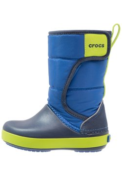 Crocs - LODGEPOINT BOOT RELAXED FIT - Stiefel - blue jean/navy