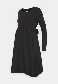 Mamalicious Curve - MLCAROLINA MIX DRESS - Vestido ligero - black