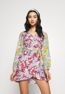 Wednesday's Girl - MIXED BALOON WRAP MINI DRESS - Hverdagskjoler - summer retro floral