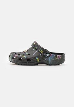 Crocs - CLASSIC OUT OF THIS WORLD - Matalakantaiset pistokkaat - black
