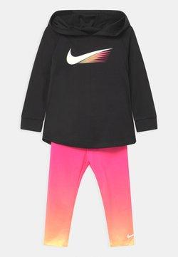 Nike Sportswear - GIRLS PLAY SET - Trainingsanzug - hyper pink