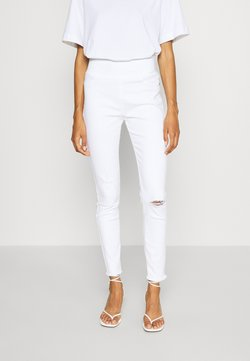 Freequent - FQSHANTAL ANKLE - Slim fit jeans - bright white