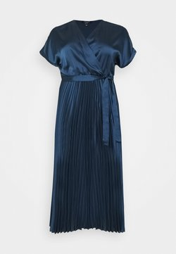 New Look Curves - GO PLEATED - Cocktailkjole - navy