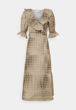 CECILIE copenhagen - RUBY WRAP DRESS - Cocktailkleid/festliches Kleid - frost grey