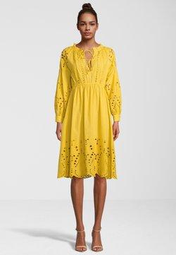 Princess goes Hollywood - Cocktailkleid/festliches Kleid - yellow