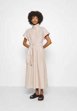 InWear - FELINE DRESS - Sukienka koszulowa - amphora