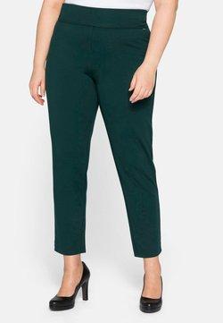 Sheego - Pantalones - tiefgrün