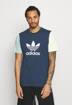 adidas Originals - BLOCKED TREF UNISEX - Camiseta estampada - crew nacy/hazy green/ice yellow
