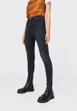 Stradivarius - MIT SEHR HOHEM BUND - Jeans Skinny - black