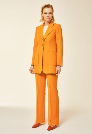 Orangea Kavaj Storlek M | Zalando