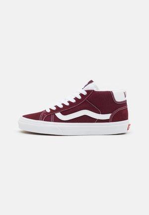 Chaussures bordeaux Vans à commander sur Zalando