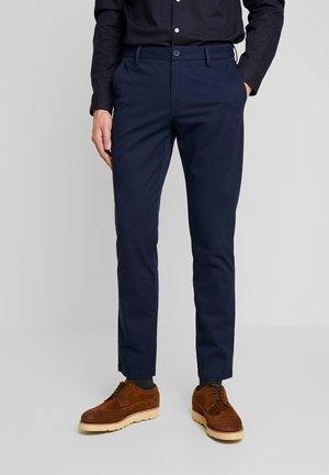 IZOD SALTWATER - Chinos - navy blazer