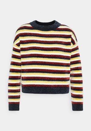 Lyle & Scott Stripete gensere til dame og herre | Zalando.no